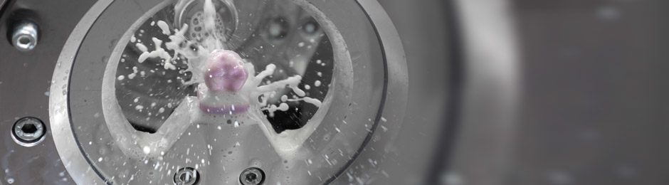 Wet Cutting with D5 Dental Milling Machine from DATRON